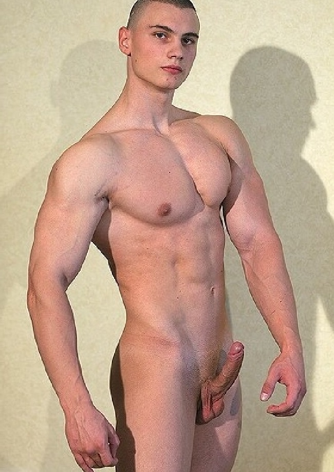 Nude Muscle Boy